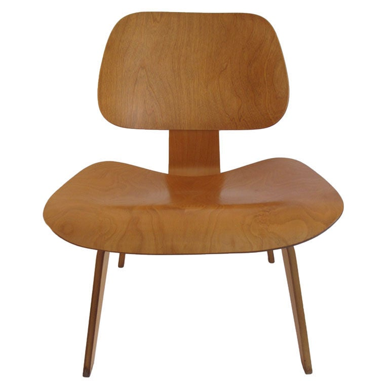 Chaises charles eames lcw for Chaise eames reproduction