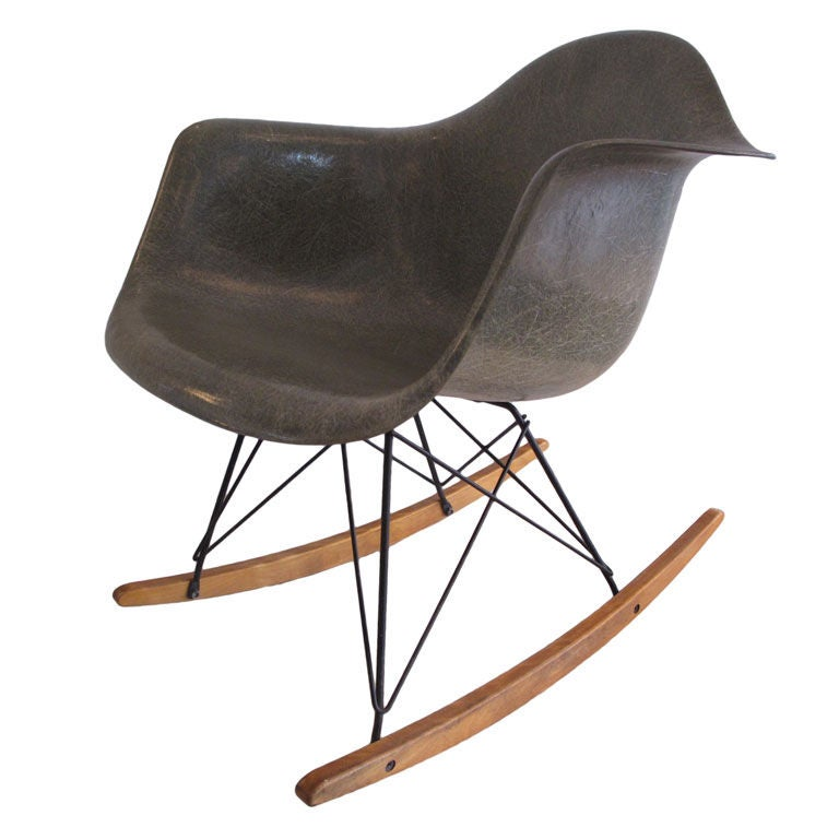 classic charles eames rar rocking chair zenith early production at 1stdibs. Black Bedroom Furniture Sets. Home Design Ideas