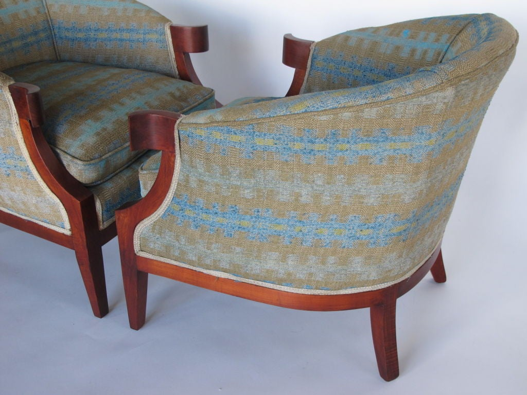 Pair of Classic Armchairs by Baker For Sale 2