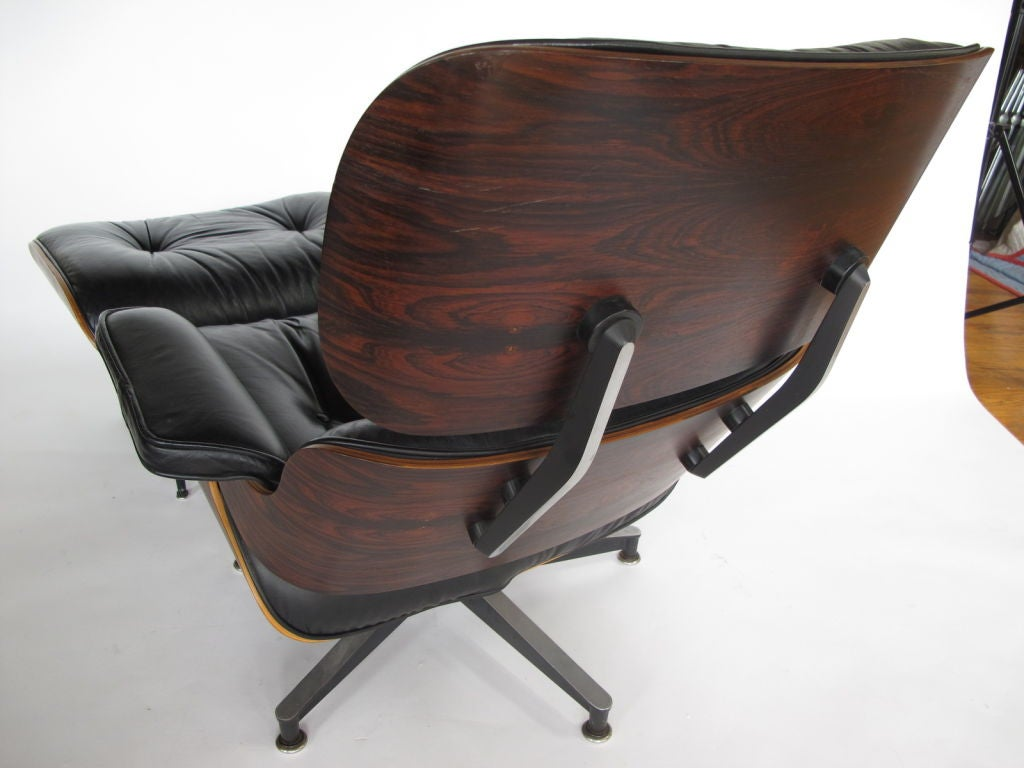 an eames 670 lounge chair and ottoman herman miller 1977. Black Bedroom Furniture Sets. Home Design Ideas
