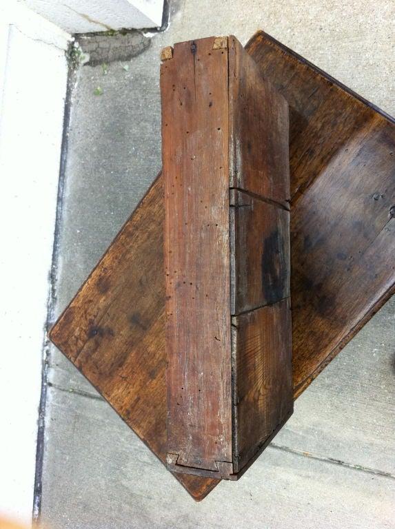 Italian Baroque Walnut Side Table For Sale 5