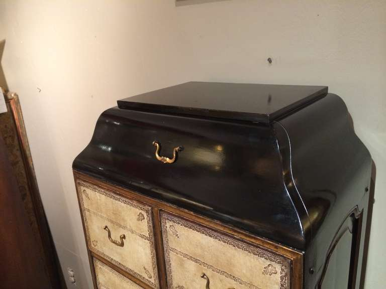 French Black Lacquer and Gilt Chest on Stand with Leather Drawers For Sale 1