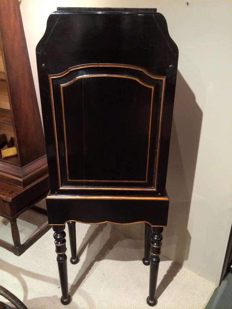 French Black Lacquer and Gilt Chest on Stand with Leather Drawers For Sale 3