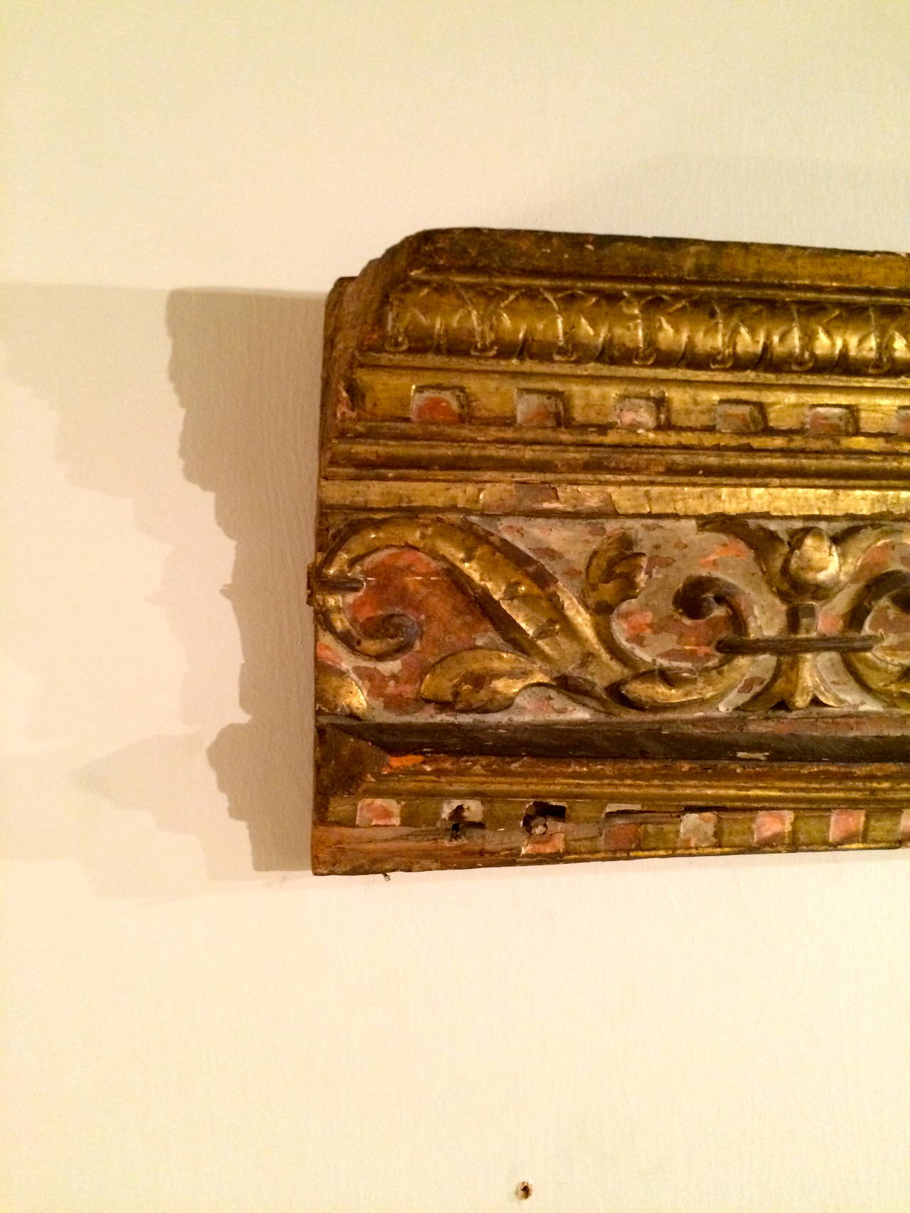 18th Century Italian Giltwood Architectural Carving In Good Condition For Sale In Stamford, CT