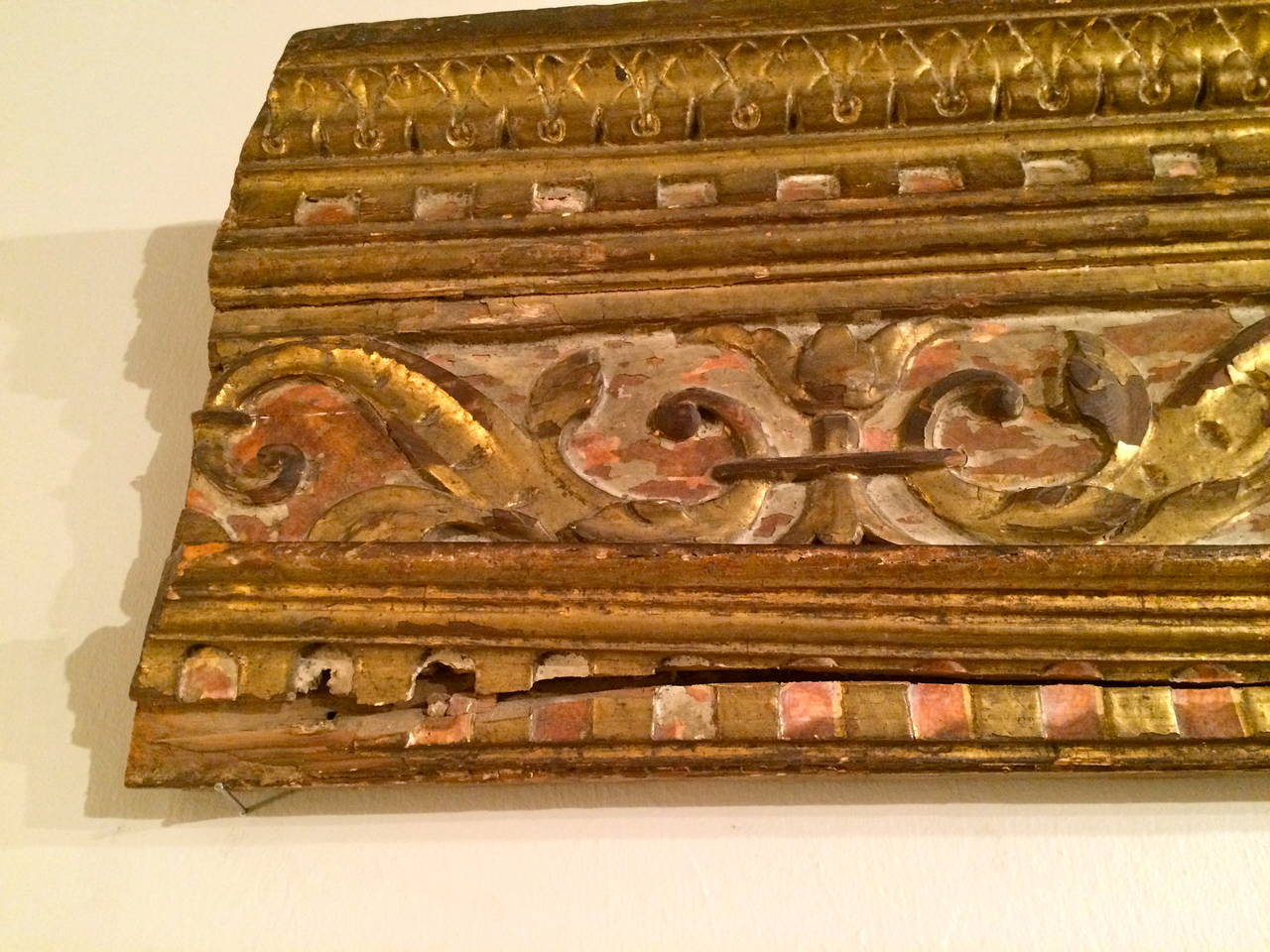 18th Century Italian Giltwood Architectural Carving For Sale 2