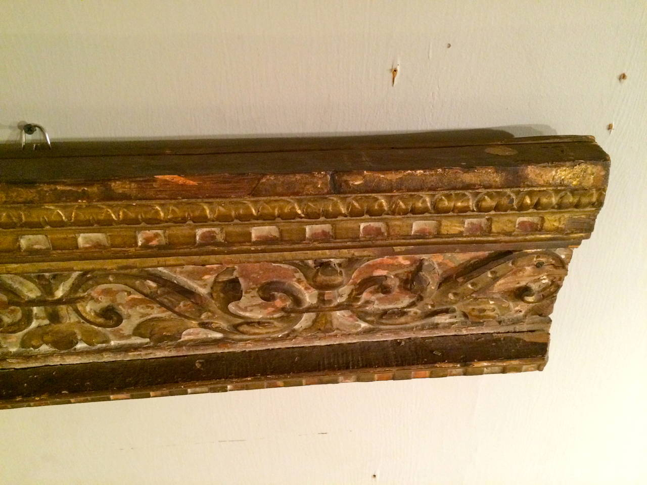 18th Century Italian Giltwood Architectural Carving For Sale 4