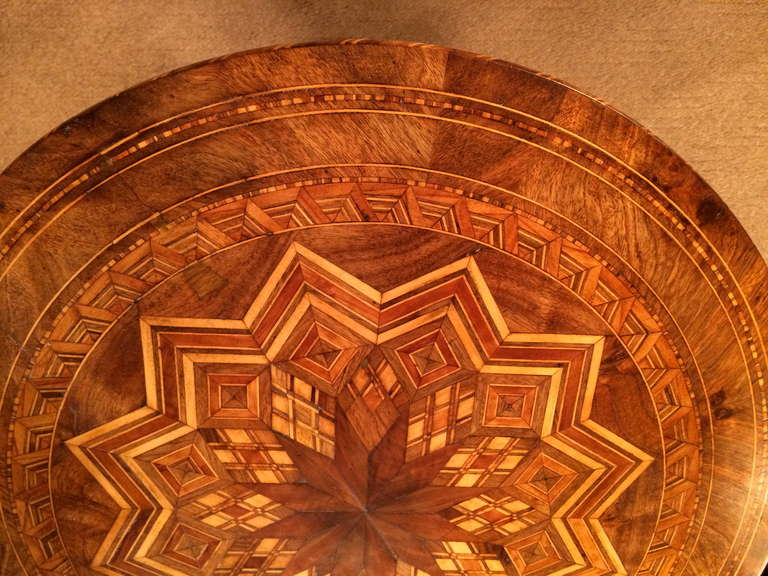 Italian Marquetry Round Side Table from Sorrento For Sale 5