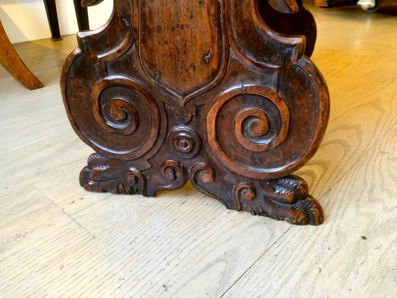 Italian Baroque Walnut Side Table For Sale 3