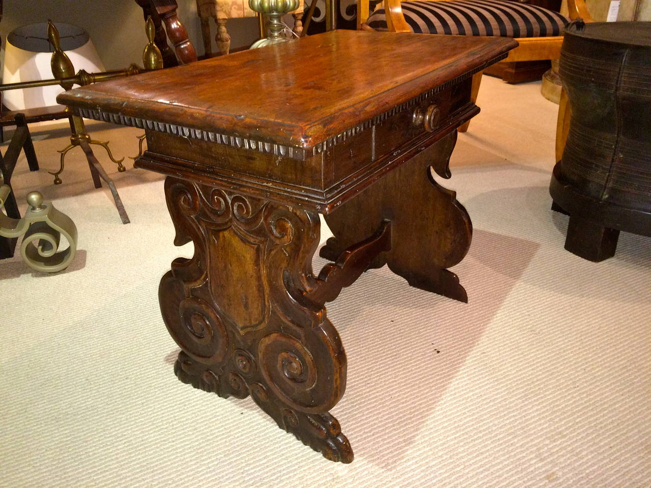 Italian Baroque Walnut Side Table For Sale 1