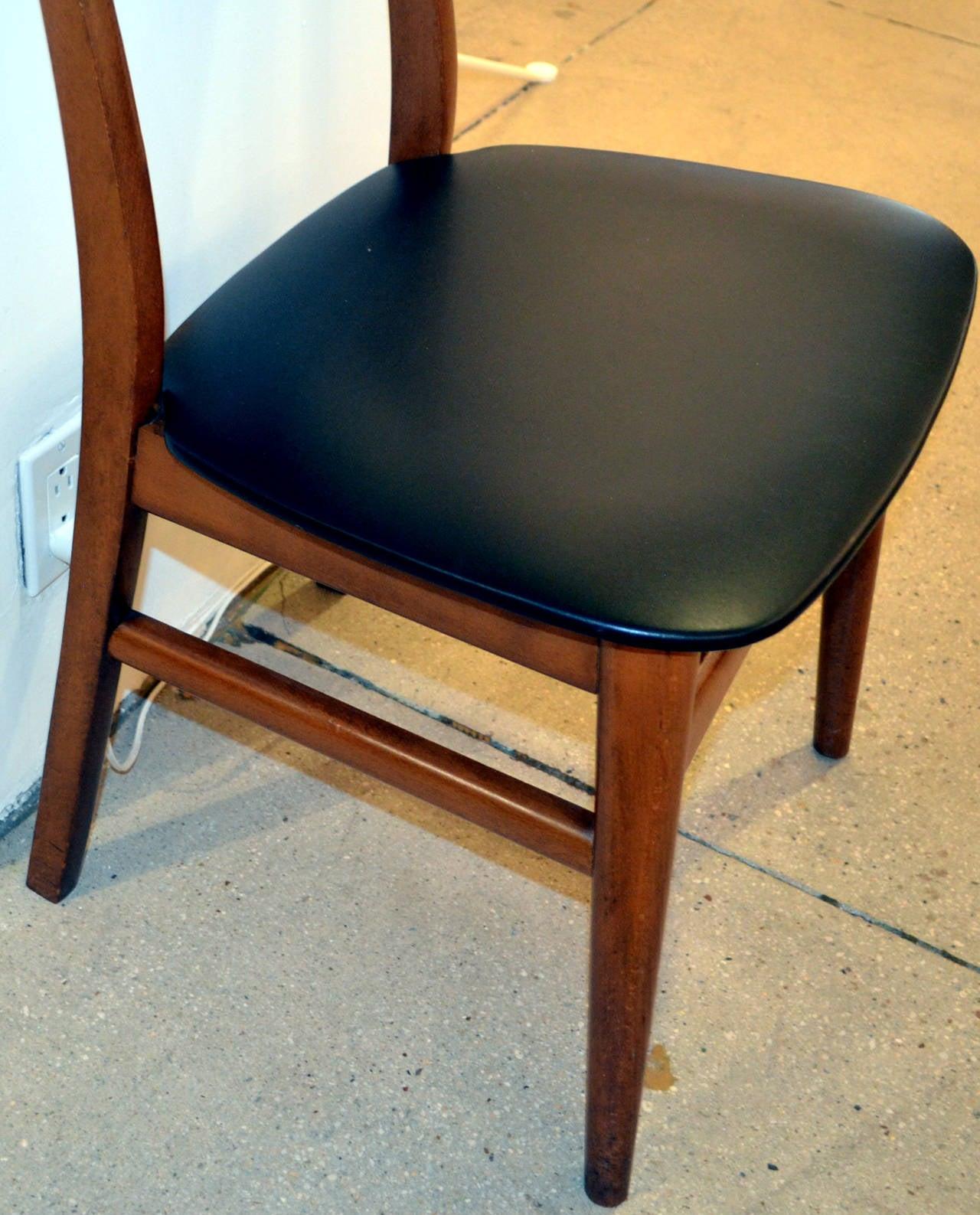 Hans wegner style danish dining chair for sale at 1stdibs for Wegner dining chair
