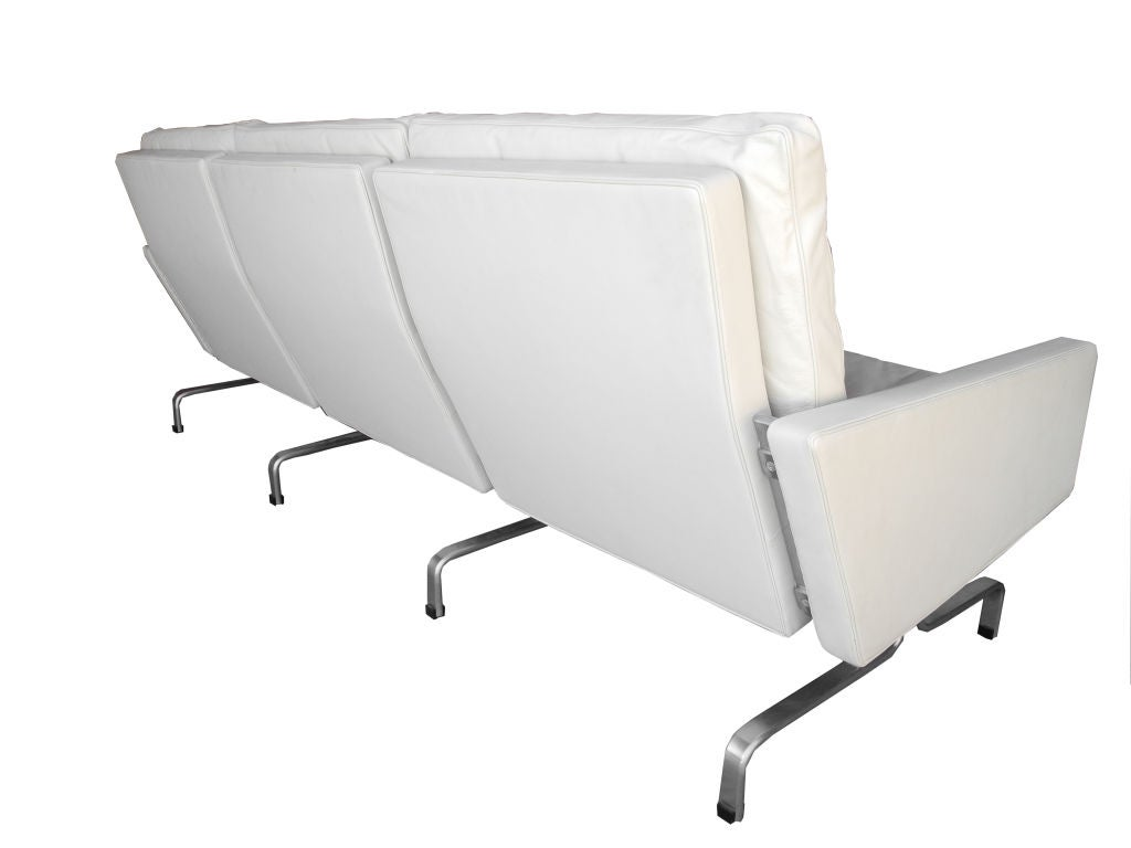 PK31 White Leather Sofa by Poul Kjærholm for Fritz Hansen 3