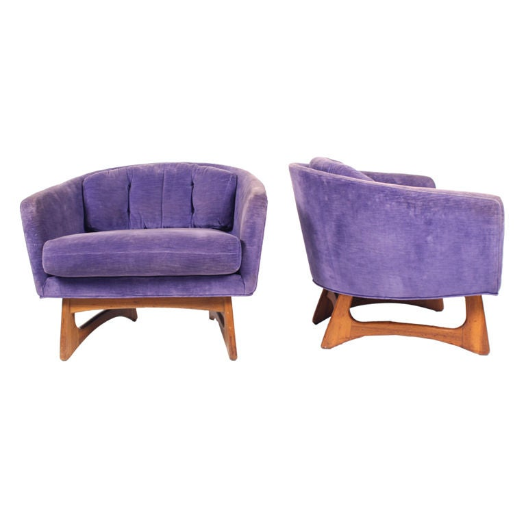 Charmant Pair Of Low And Wide Barrel Chairs By Craft Associates For Sale