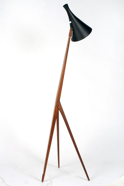 praying mantis floor lamp by luxus for sale at 1stdibs. Black Bedroom Furniture Sets. Home Design Ideas