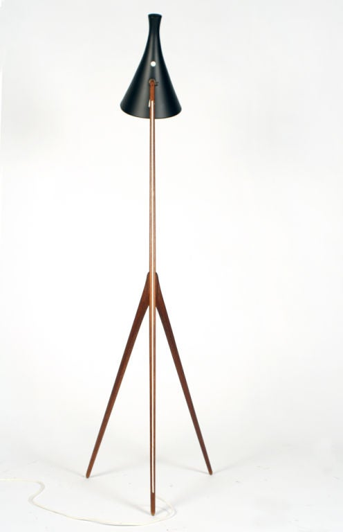 praying mantis floor lamp by luxus at 1stdibs. Black Bedroom Furniture Sets. Home Design Ideas