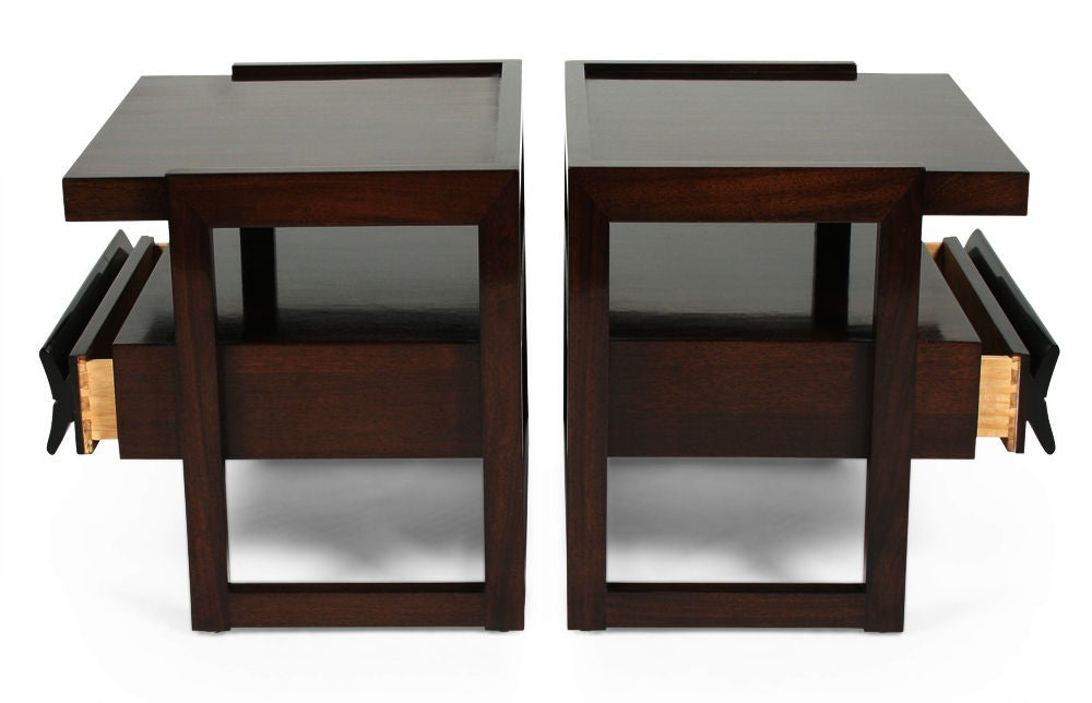Pair of Nightstands by Paul Laszlo for Brown Saltman In Excellent Condition For Sale In New York, NY