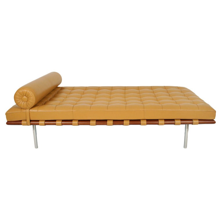 barcelona daybed by ludwig mies van der rohe for knoll at 1stdibs. Black Bedroom Furniture Sets. Home Design Ideas