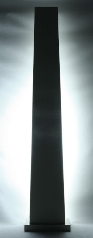 Ivory Lacquered Backlit Obelisk Pedestal In Excellent Condition For Sale In New York, NY