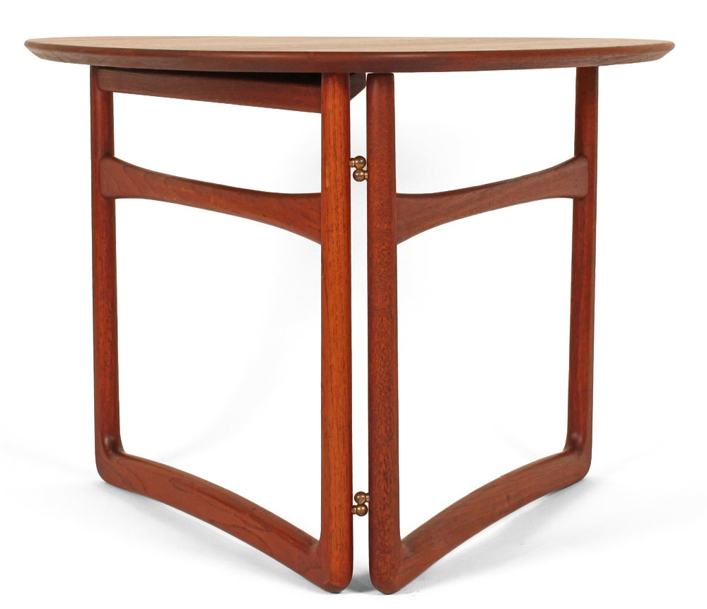 Triangular Folding Occasional Table by Peter Hvidt and  : 804013309602415 from 1stdibs.com size 1000 x 861 jpeg 62kB