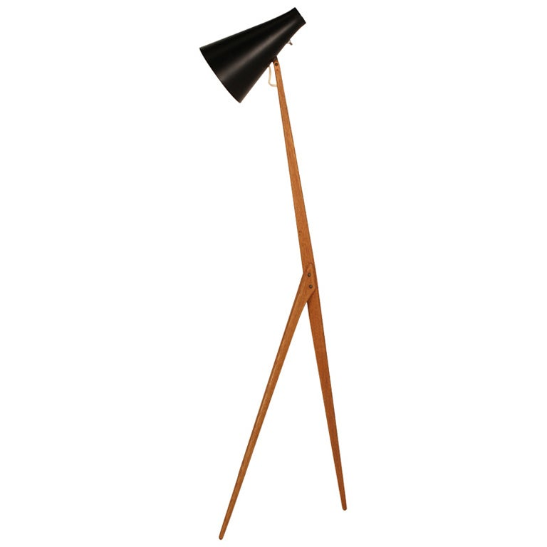 praying mantis tripod floor lamp by luxus at 1stdibs. Black Bedroom Furniture Sets. Home Design Ideas