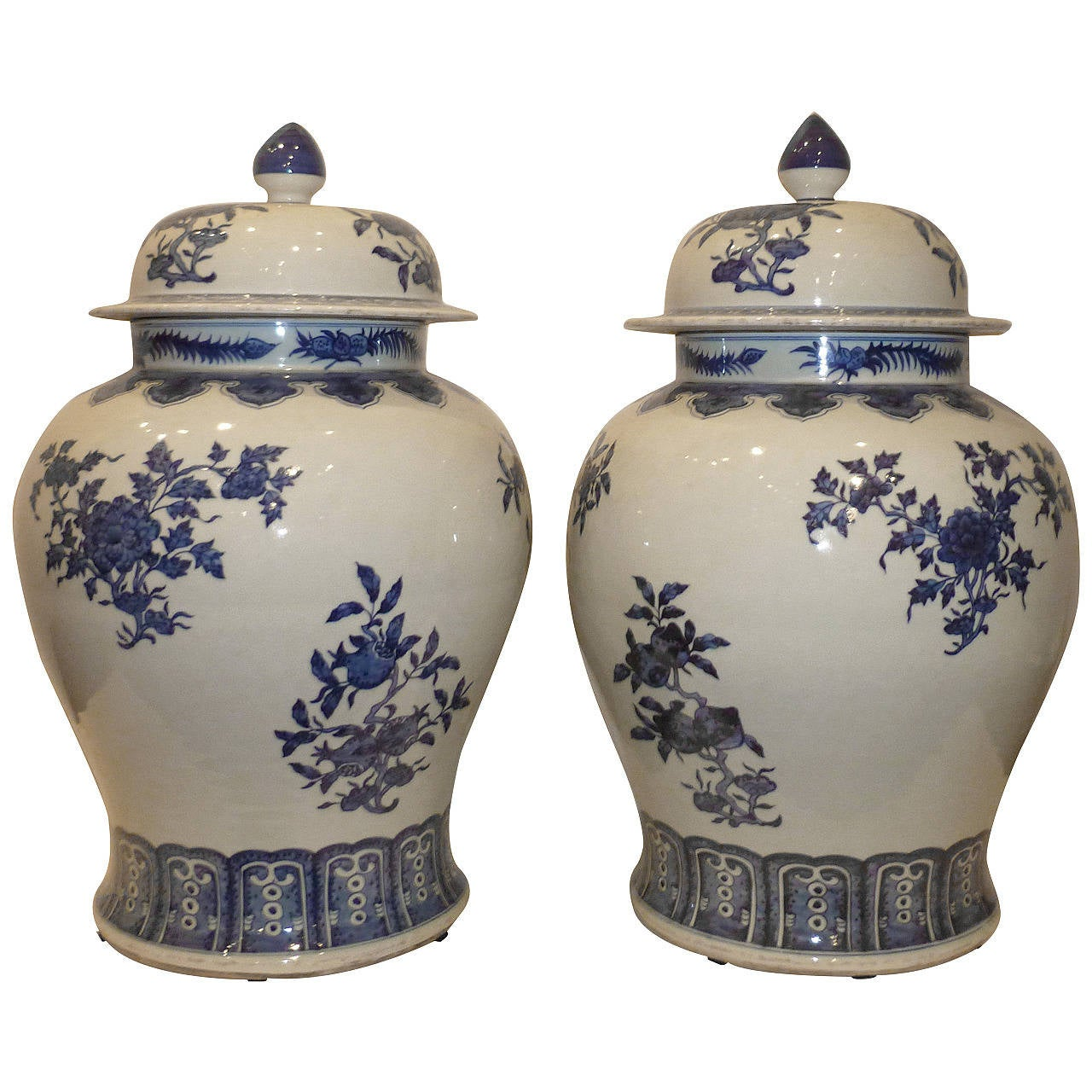 A Pair of Blue and White Porcelain Jars with Covers