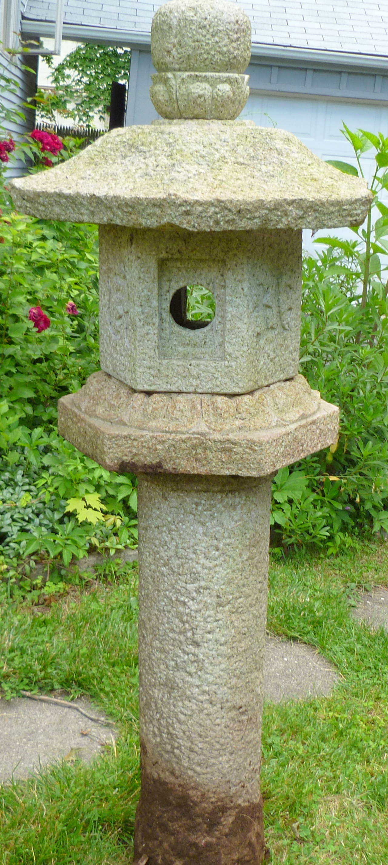 Japanese granite stone garden lantern at 1stdibs for Japanese stone garden
