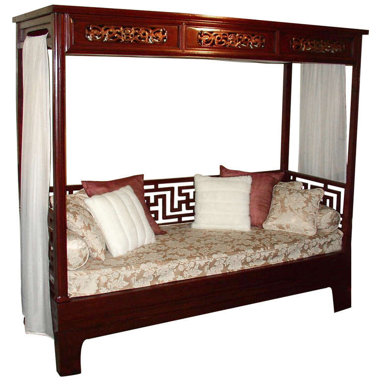 Elegant red lacquer canopy bed for sale at 1stdibs for Elegant canopy bedroom sets