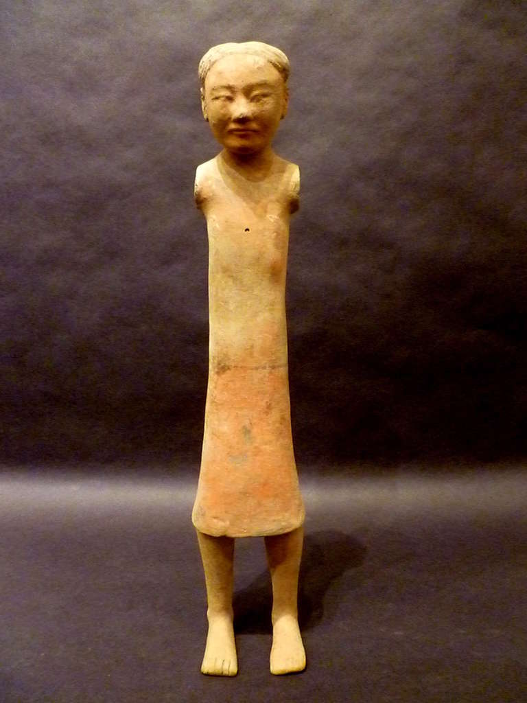 Fine Chinese Han Dynasty pottery figure of a standing woman, elegant and finely sculpted statue, Han Dynasty 206 BC-220 AD
