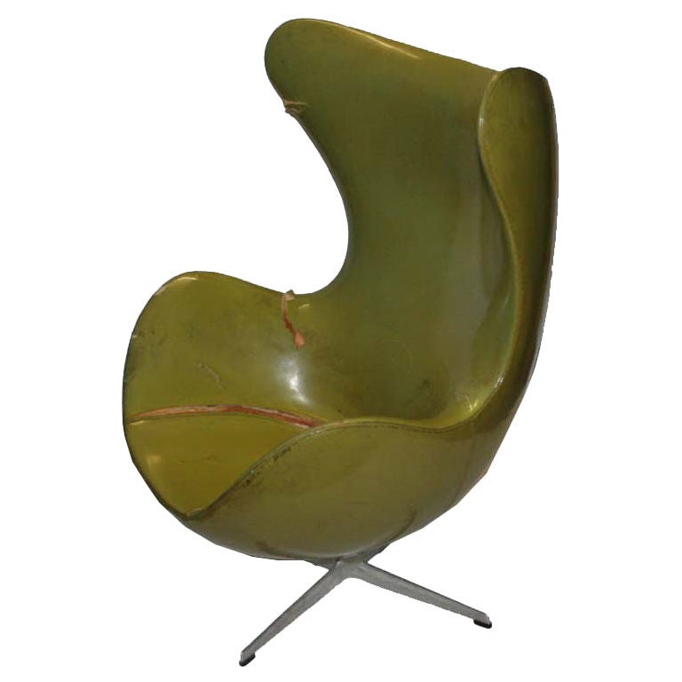 original early arne jacobsen for fritz hansen egg chair at 1stdibs. Black Bedroom Furniture Sets. Home Design Ideas