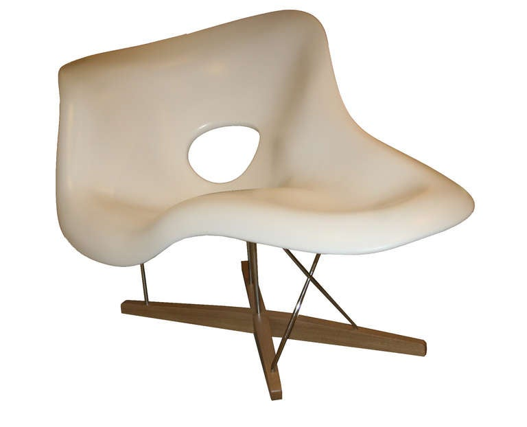 Charles eames la chaise lounge chair by vitra at 1stdibs for Chaise a bascule charles eames