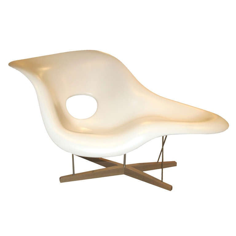 charles eames la chaise lounge chair by vitra at 1stdibs. Black Bedroom Furniture Sets. Home Design Ideas