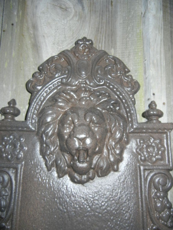 English Cast Iron, Lion Head Fountain/Planter In Good Condition For Sale In Bellport, NY