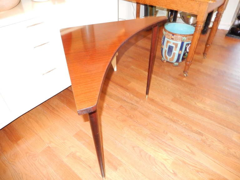 A Danish Mid-Century Sofa Corner Table In Excellent Condition In Bellport, NY