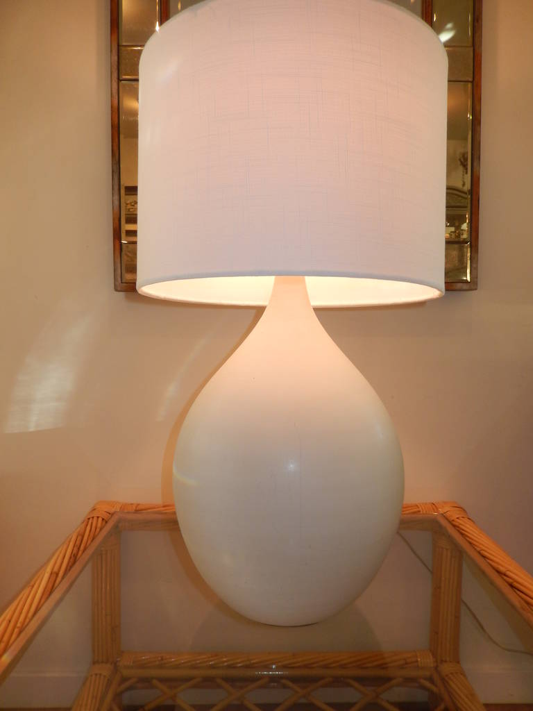 Danish Handcrafted White Studio Pottery Table  Lamp In Excellent Condition For Sale In Bellport, NY