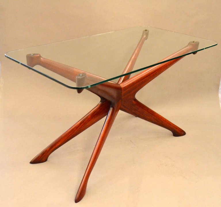 This pair of tables by Ico Parisi has the flair and design quality that you'd expect from 1950s Italian design.