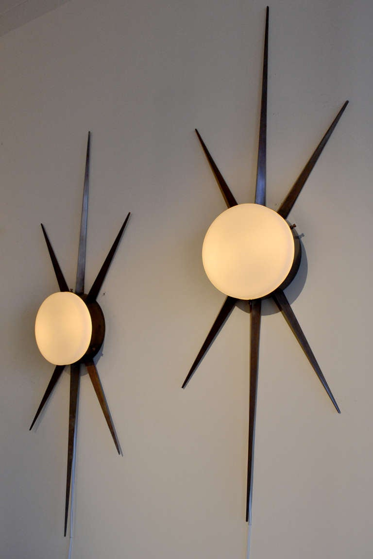 Mid-Century Modern Pair of Gio Ponti Starburst Sconces, Italy 1950s For Sale