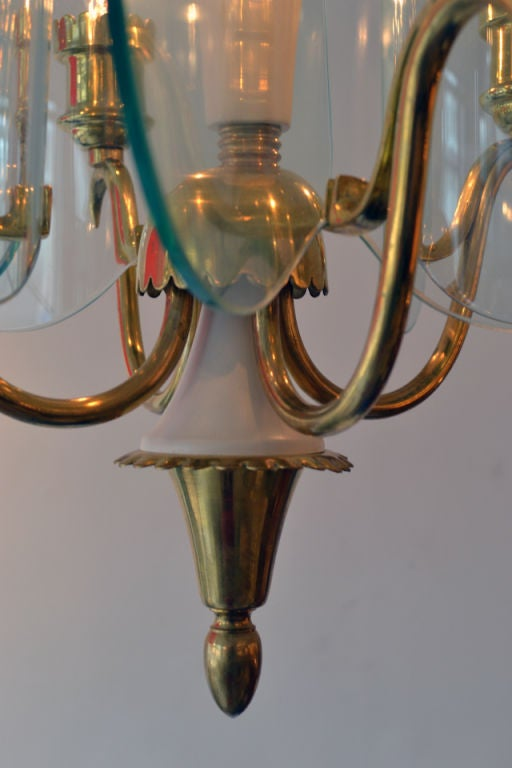 Mid-Century Modern Fontana Arte Glass and Brass Chandelier by Pietra Chiesa, Italy 1940s For Sale