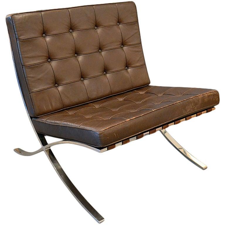 Barcelona Lounge Chair at 1stdibs