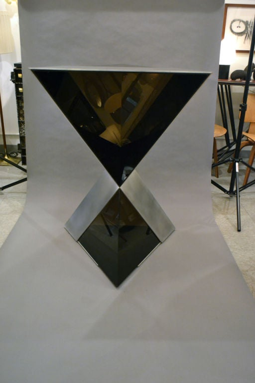 20th Century Lucite and Aluminium Pyramidal Sculpture by Duayne Hatchett, USA 1980 For Sale