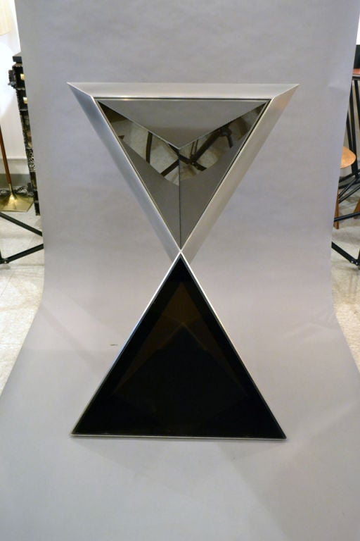 Lucite and Aluminium Pyramidal Sculpture by Duayne Hatchett, USA 1980 For Sale 1
