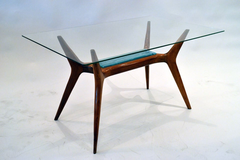 Mid-Century Modern Mid-Century Maple and Glass Side Table with Etched Glass Insert, Italy, 1950s For Sale