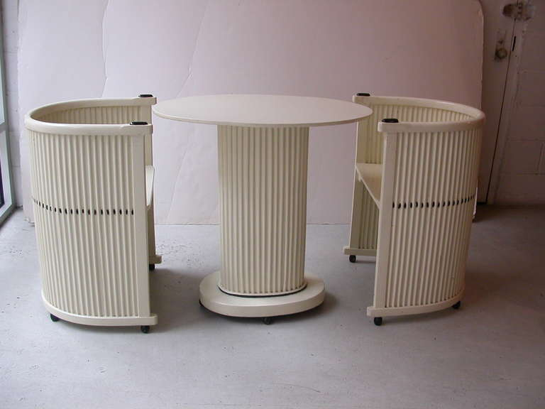 Hans Gunther Reinstein Pair of White Armchairs Circa 1911 In Excellent Condition For Sale In New York, NY