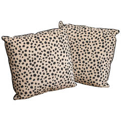 Pair of 21st Century Decorative Accessory Pillows