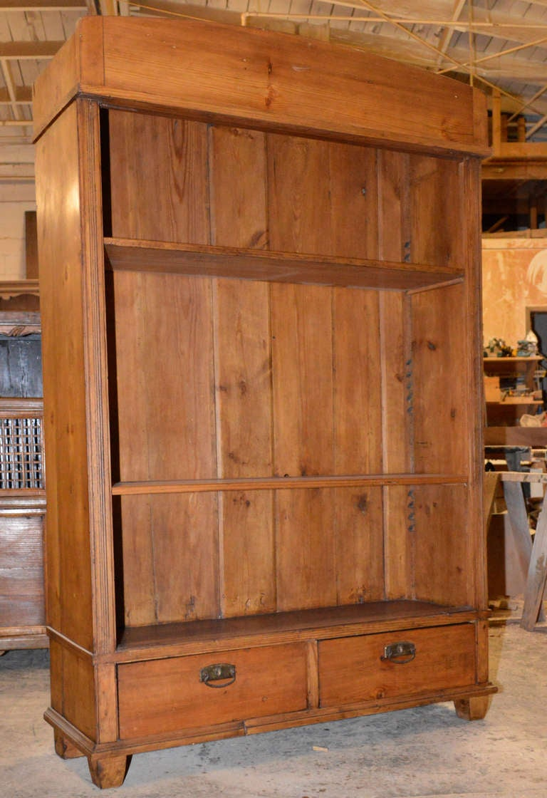 Continental Art Nouveau Bookcase In Good Condition For Sale In Los Angeles, CA