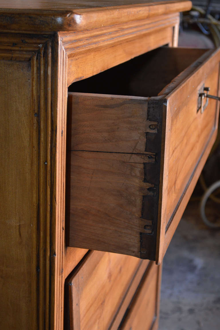 Chest with Three Drawers In Excellent Condition In Los Angeles, CA