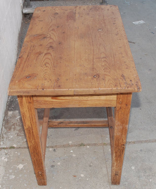 Rustic farm table for sale at 1stdibs for Rustic farm tables for sale