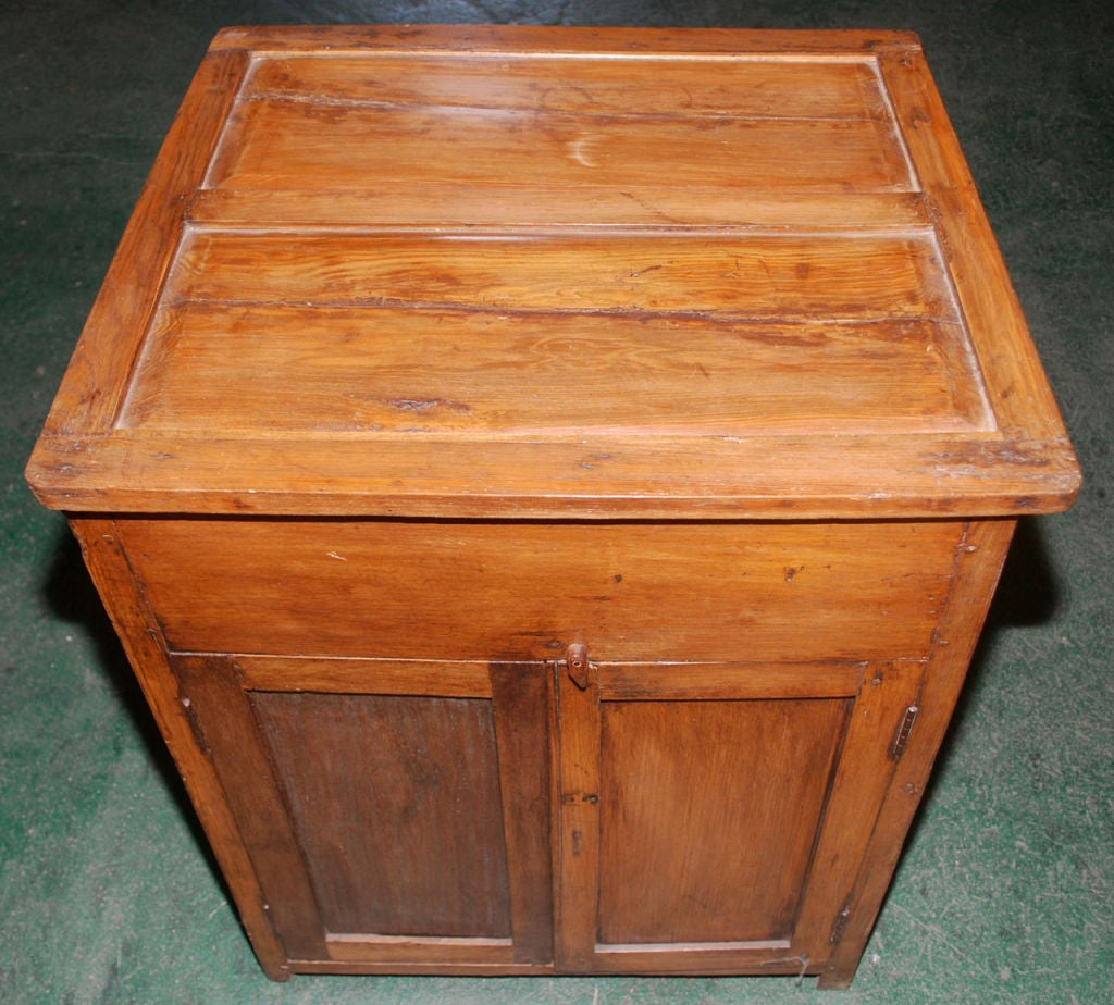 British Colonial Teak Nightstand In Good Condition For Sale In Los Angeles, CA
