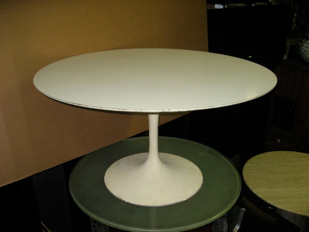 Original round tulip dining table by eero saarinen 1956 at for Tulip dining table