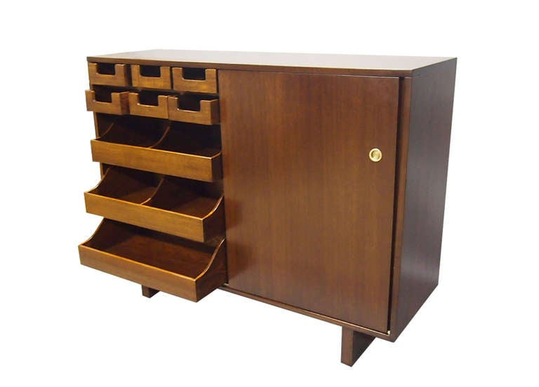 Pair of His and Hers Dressers by Widdicomb 1949 Made in USA In Excellent Condition For Sale In Jersey City, NJ