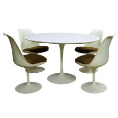 Excellent, Original Condition Dining set by Saarinen Circa 1960 American