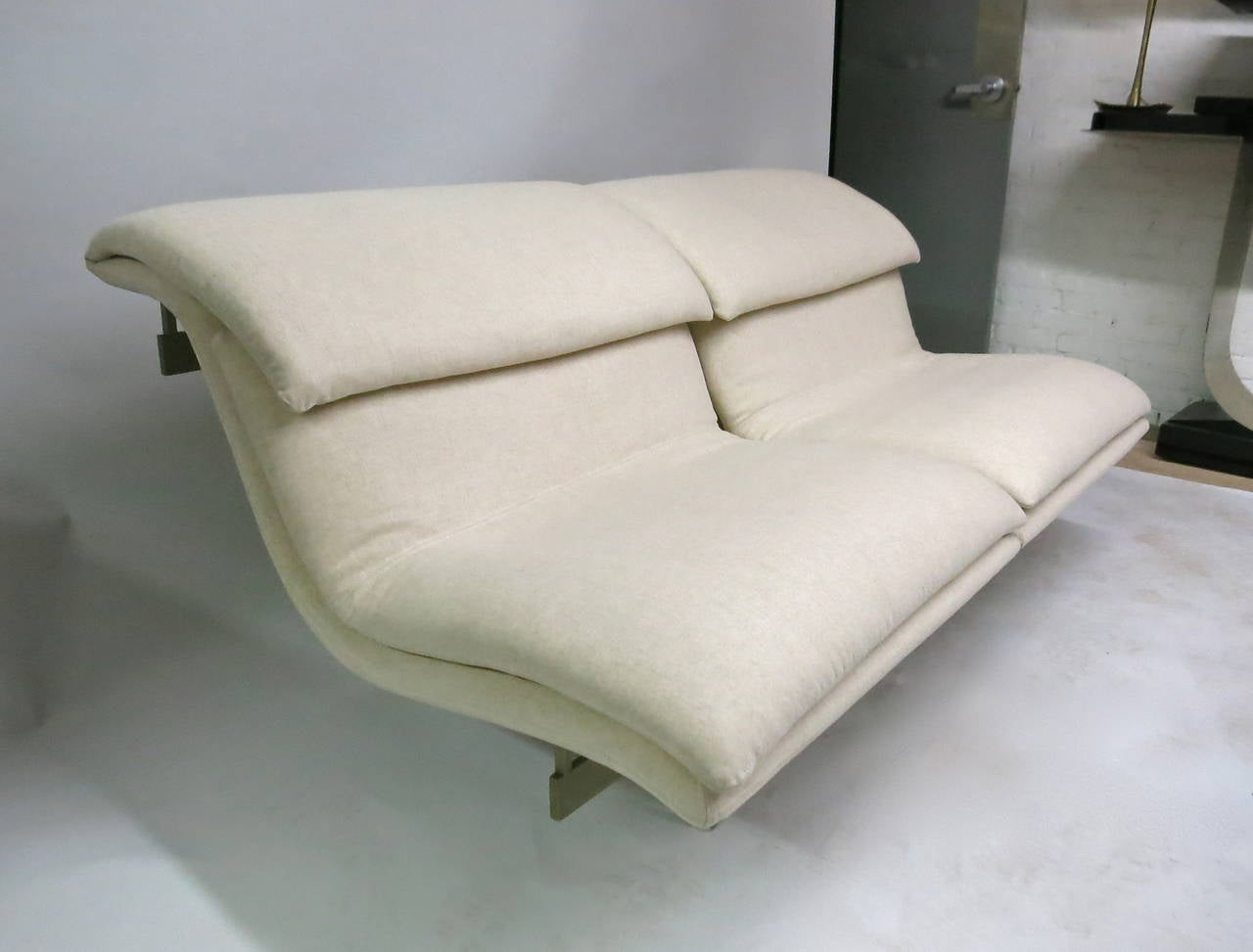 Mid-Century Modern Pair of Two-Seater Sofas by Saporiti Fabricated by Saporiti Italia, Circa 1970 For Sale